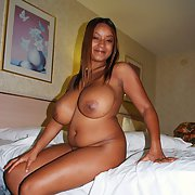 Very sexy and curvy black lady amateur photos with huge juggs