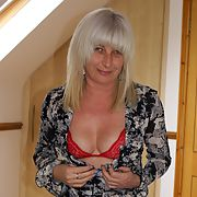 Stunning MILF Sammy - sixth set