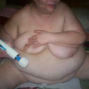 bbw amateur i love playing with my toys