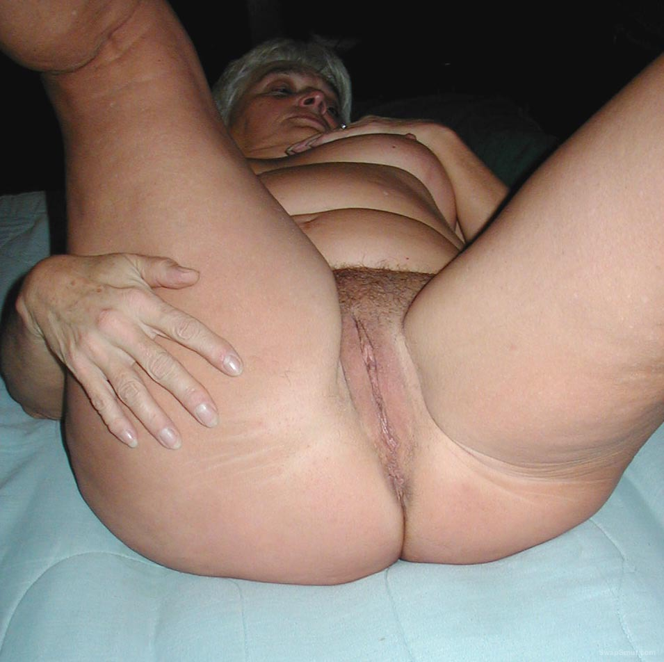 Granny posing naked and doing some of her favorites