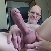 Daddy is an exhibitionist who likes to show his big hard cock