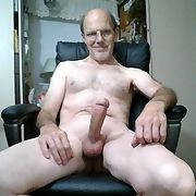 Male exhibitionist showing their cocks