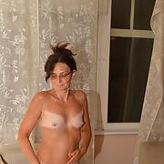 Irina nude small tits