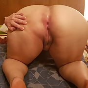 Chubby wife ass and curvy body