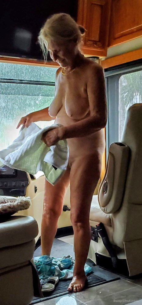 Having fun Naked and Teasing with Pussy