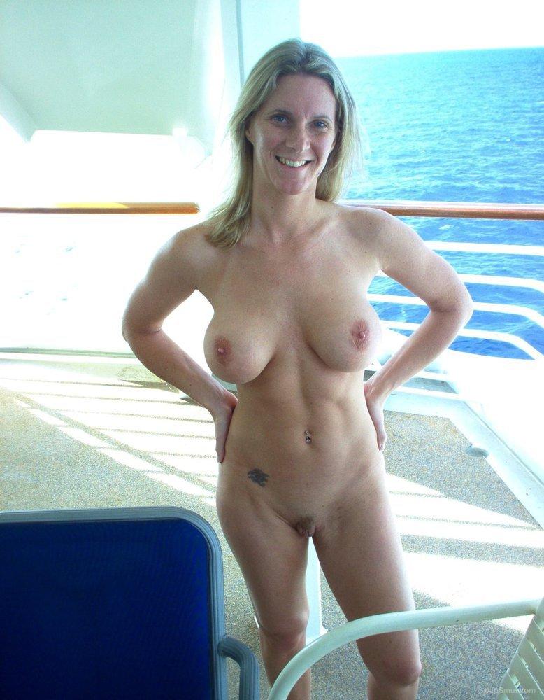 Sexy nude twinks