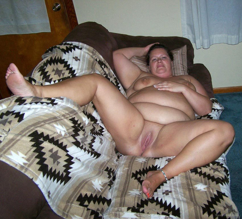 Chubby swinger wife loves black cock cuckold porn hubby takes pics