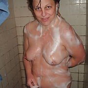 Nicole from arkansas taking a shower