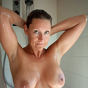 A sexy british wife with big boobs love to show off her body