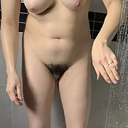 Shower wife wants a bull and have fun