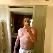 Secretly taking sexy selfie pics