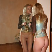 Stunning blonde nude showing off incredible body