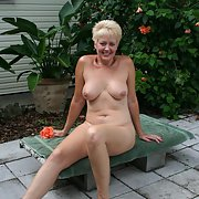 Sexy wife TRACY for the USA show off her hot bod final part