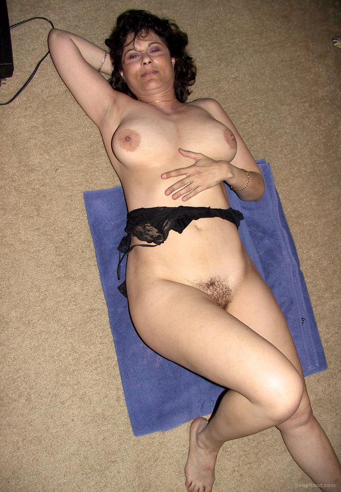 milf wife nude strip tease