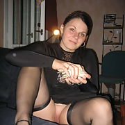Lovely busty chubby amateur exposes her assets - black lingerie p3