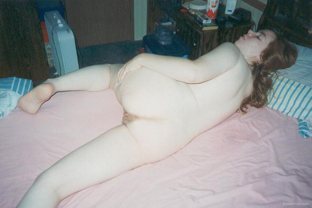 You Gotta Love Those Pale Skinned Redheads Posing Naked