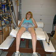 Mature blond gets some tools in her pussy