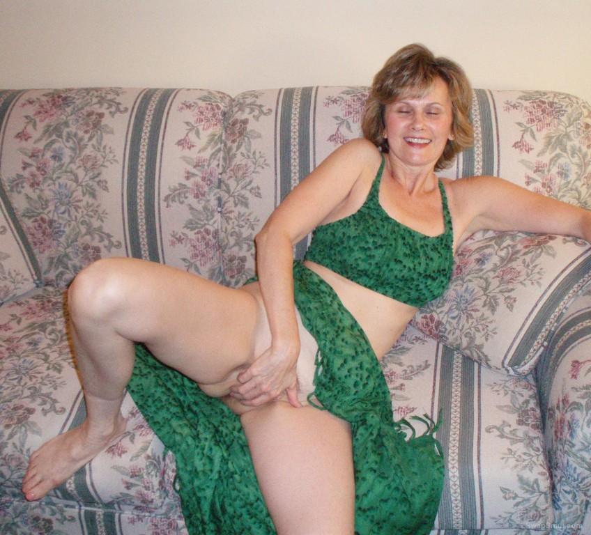 Sexy Mature Amateur Porn - sexy mature BRENDA real genuine amateur porn