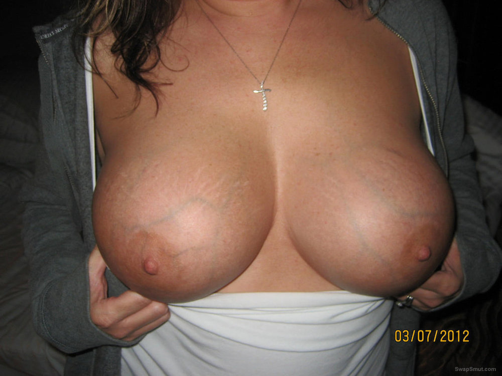 Whore wife slut and fucktoy have fun with her photos