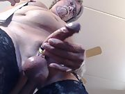 I love masturbating in these black nylons